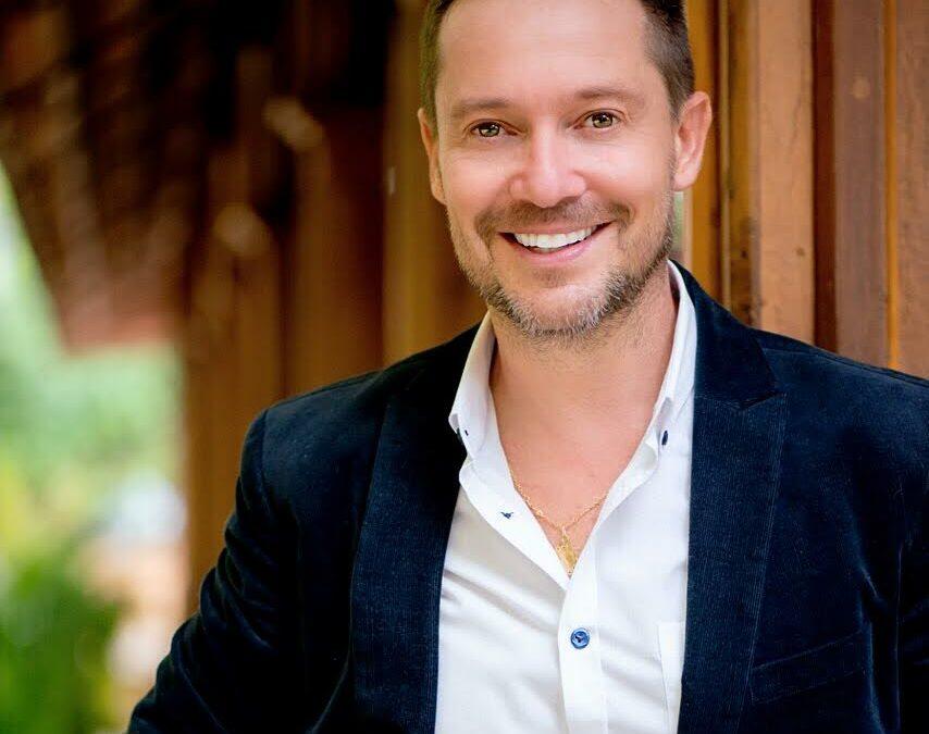 Martin Llorens, experto en estrategia e imagen corporativa regresa a Costa Rica